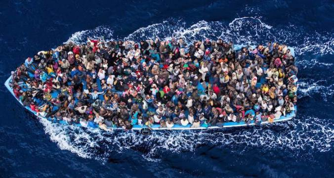 635994298649988215-1467215197_Migrants-Mediterranean